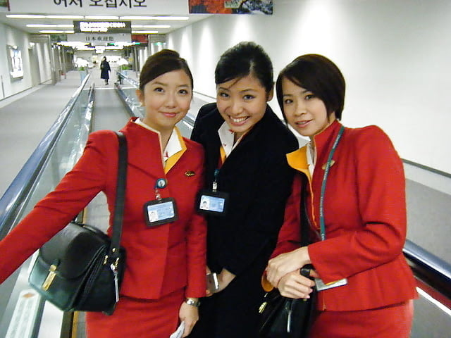 1 Cathay Pacific Flight Attendant EXPOSED COMISSARIA EXPOSTA