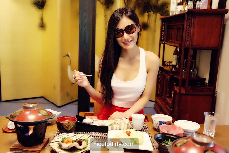 Naked Cute Asian Instagram Model Anna Xiao Eating Her Dinner
