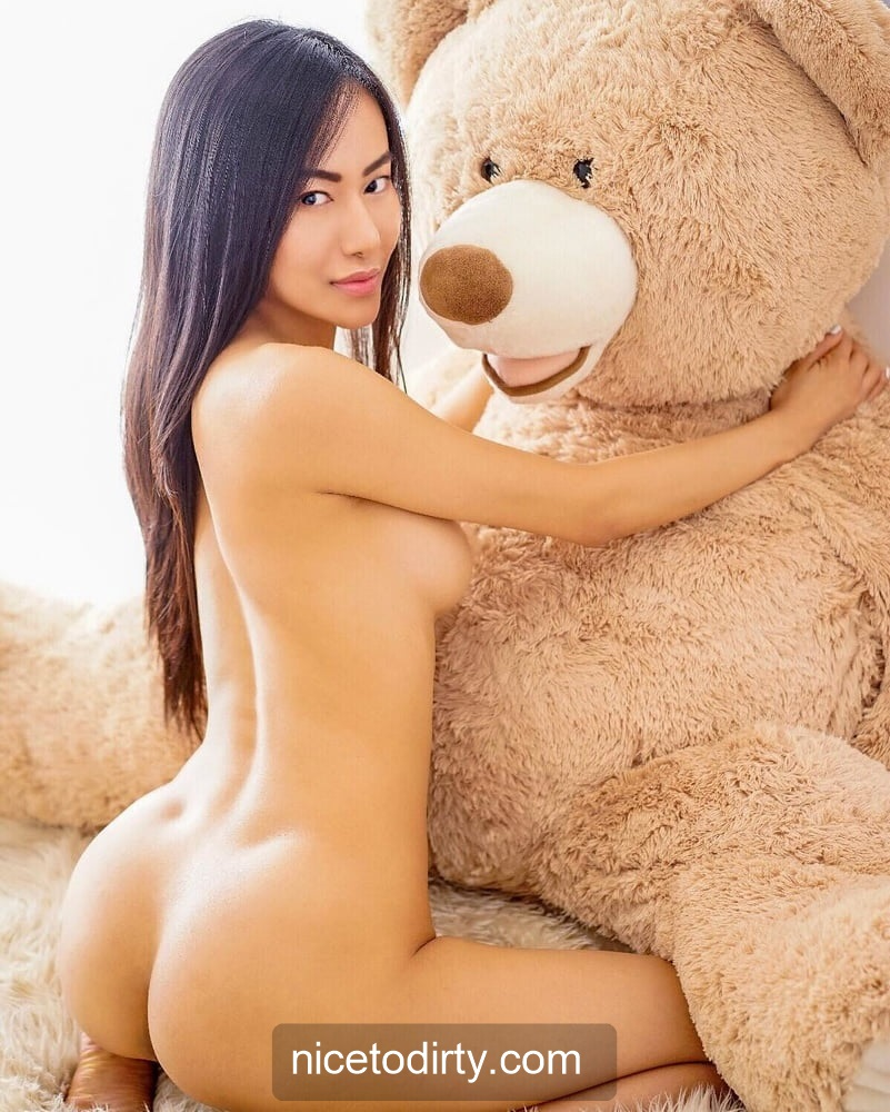 Naked Cute Asian Instagram Model Anna Xiao Naked And Hugging A Teddy Bear